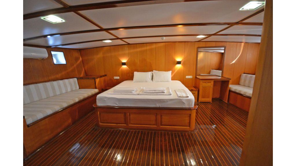 40m Luxury Transom Gulet (7)