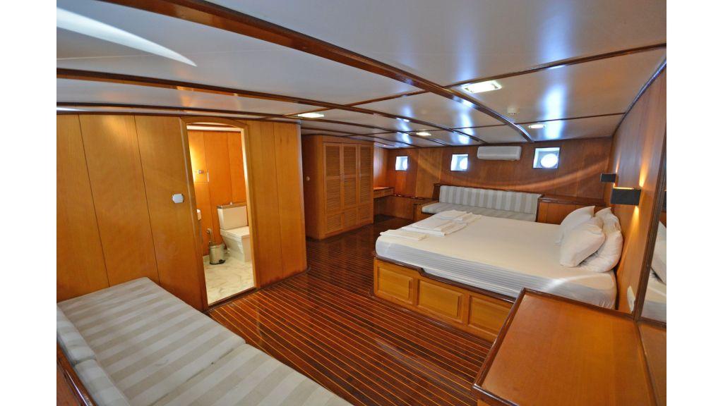 40m Luxury Transom Gulet (9)