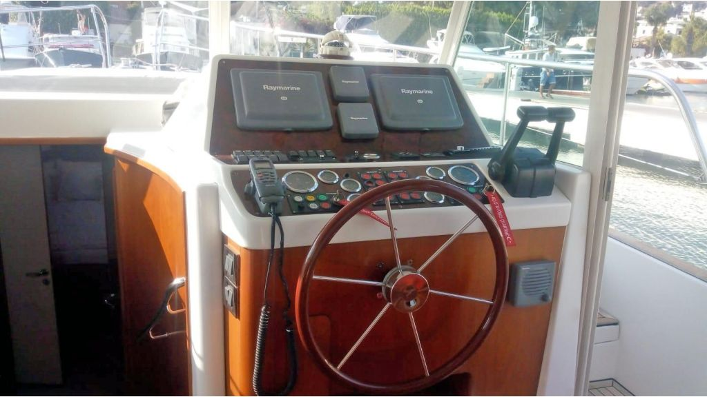 Beneteau Swift Trawler 42 (7)