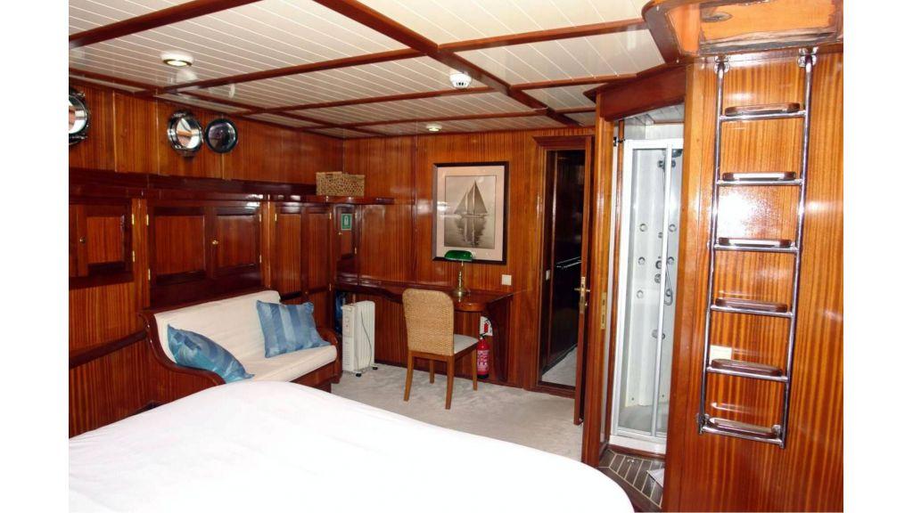 classic schooner for sale (2)