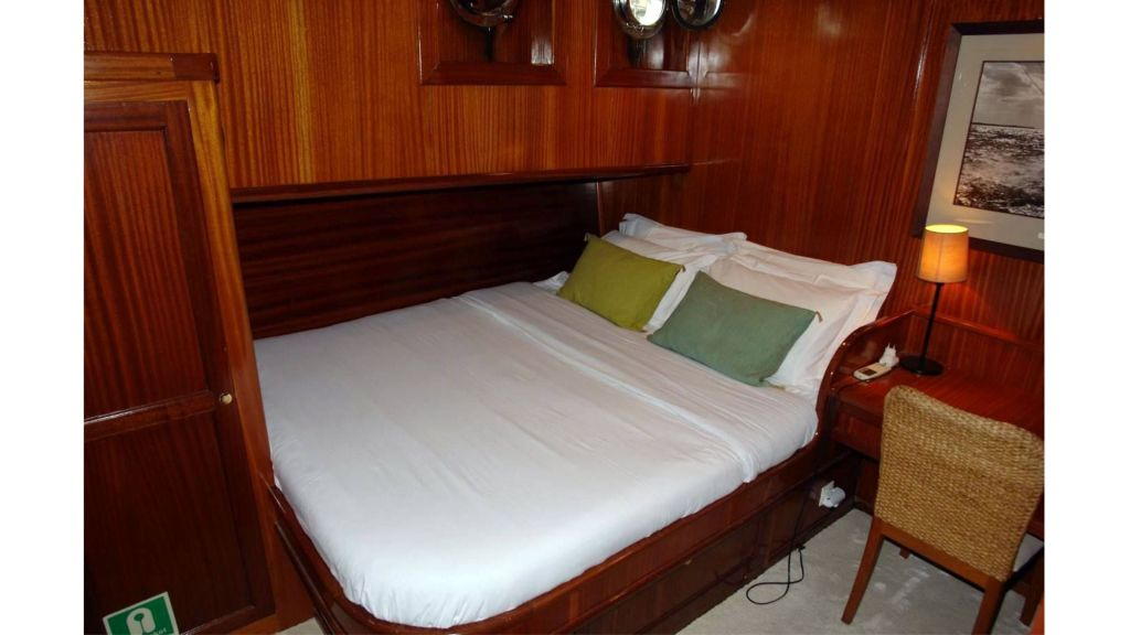 classic schooner for sale (22)