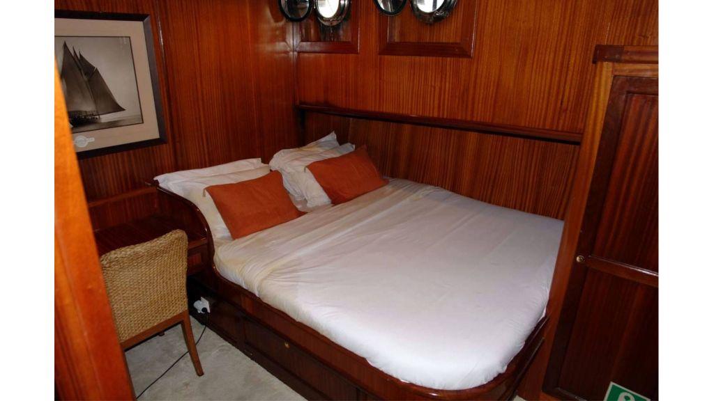 classic schooner for sale (23)