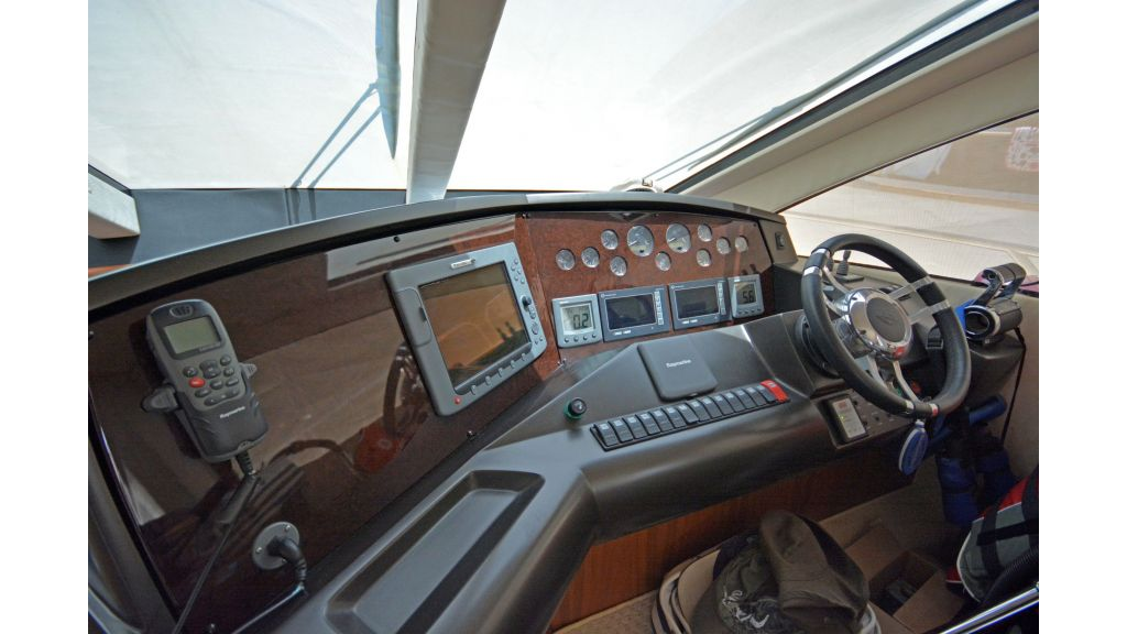 Sunseeker Manhattan 60 For Sale (18)