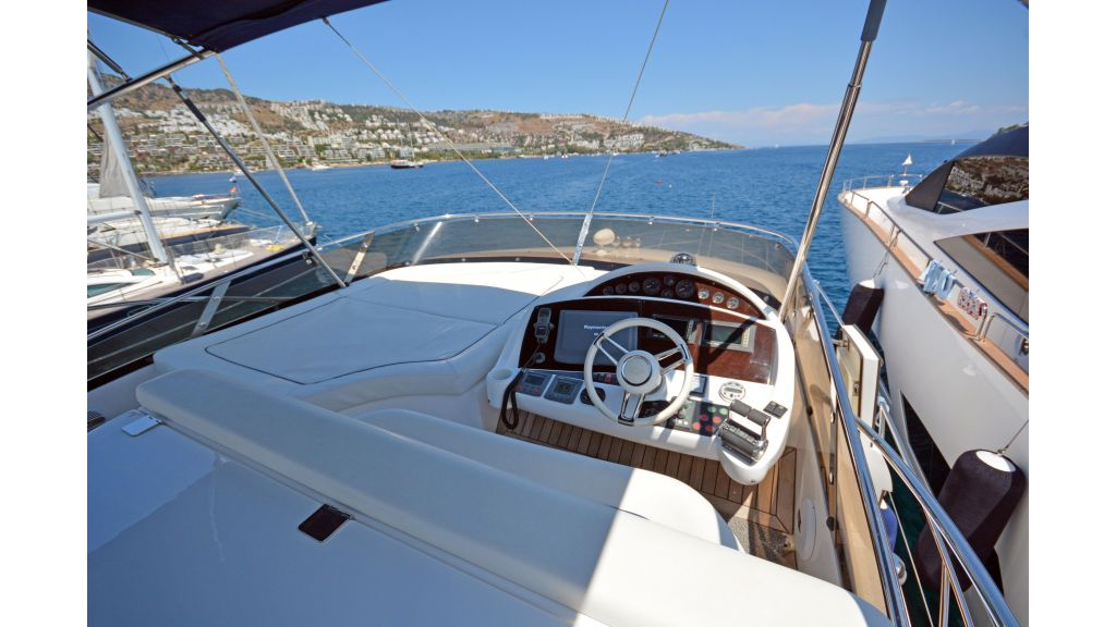 Sunseeker Manhattan 60 For Sale (22)