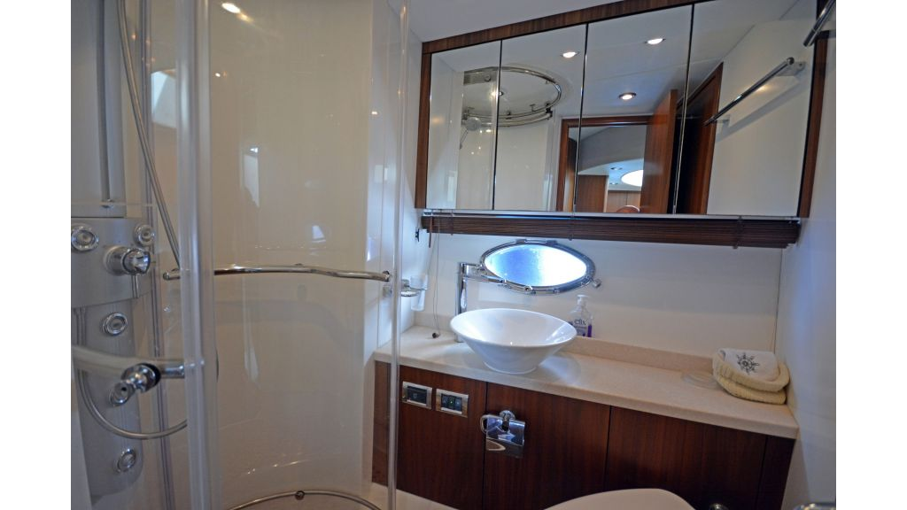 Sunseeker Manhattan 60 For Sale (5)