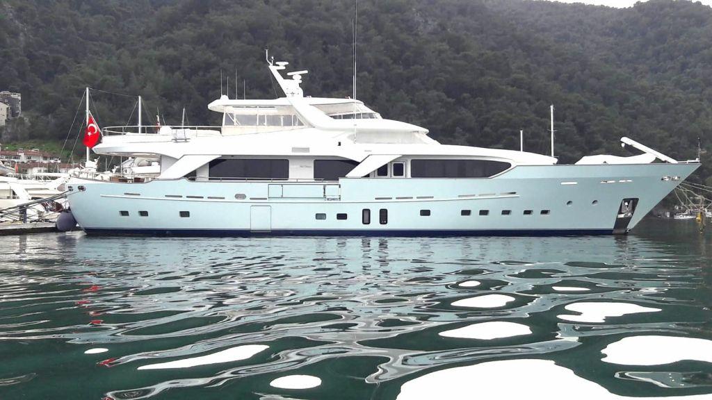 33 m Benetti Sail Division (1)