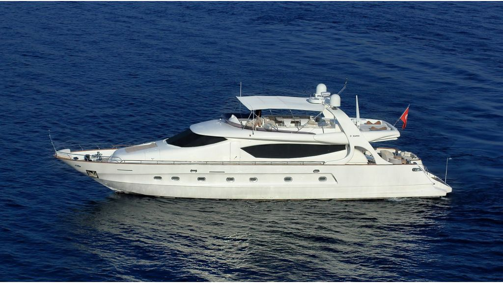 Blanco Luxury Motor Yacht (2)