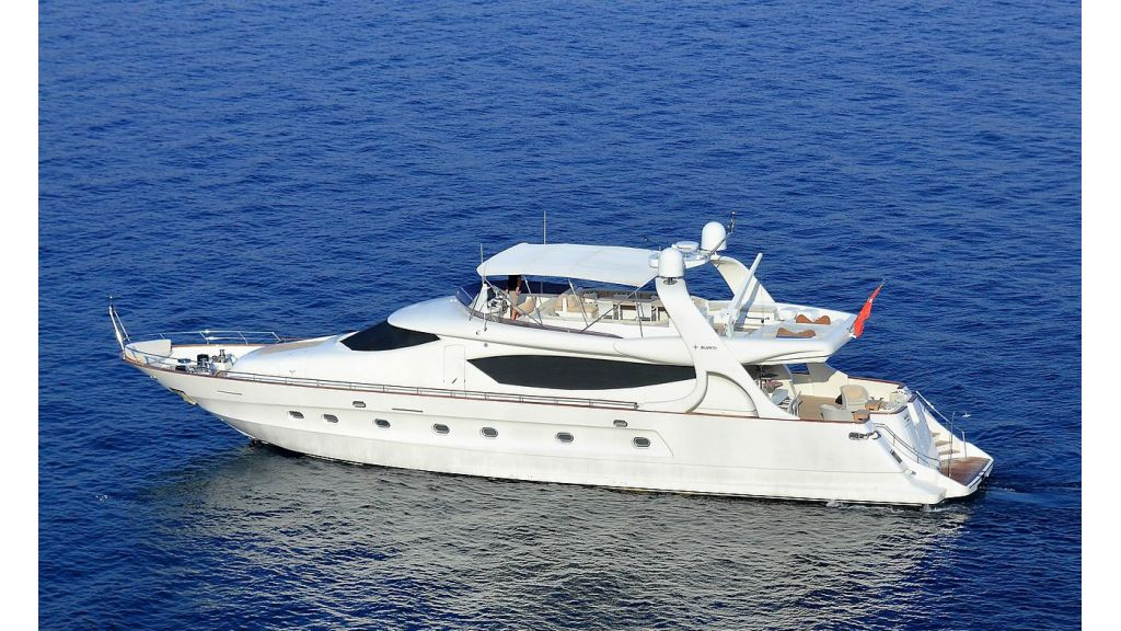 Blanco Luxury Motor Yacht (3)