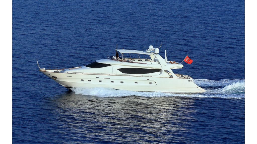Blanco Luxury Motor Yacht (4)