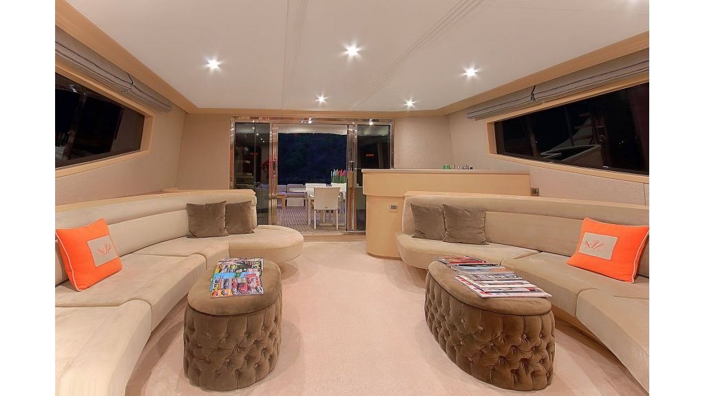 Blanco Luxury Motor Yacht (42)