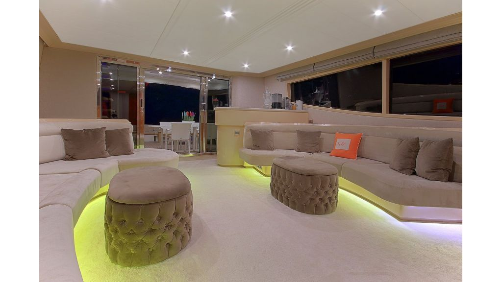 Blanco Luxury Motor Yacht (45)