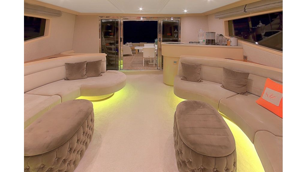 Blanco Luxury Motor Yacht (48)