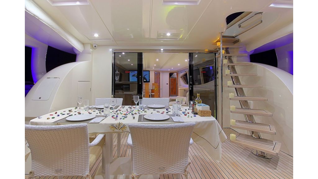 Blanco Luxury Motor Yacht (56)