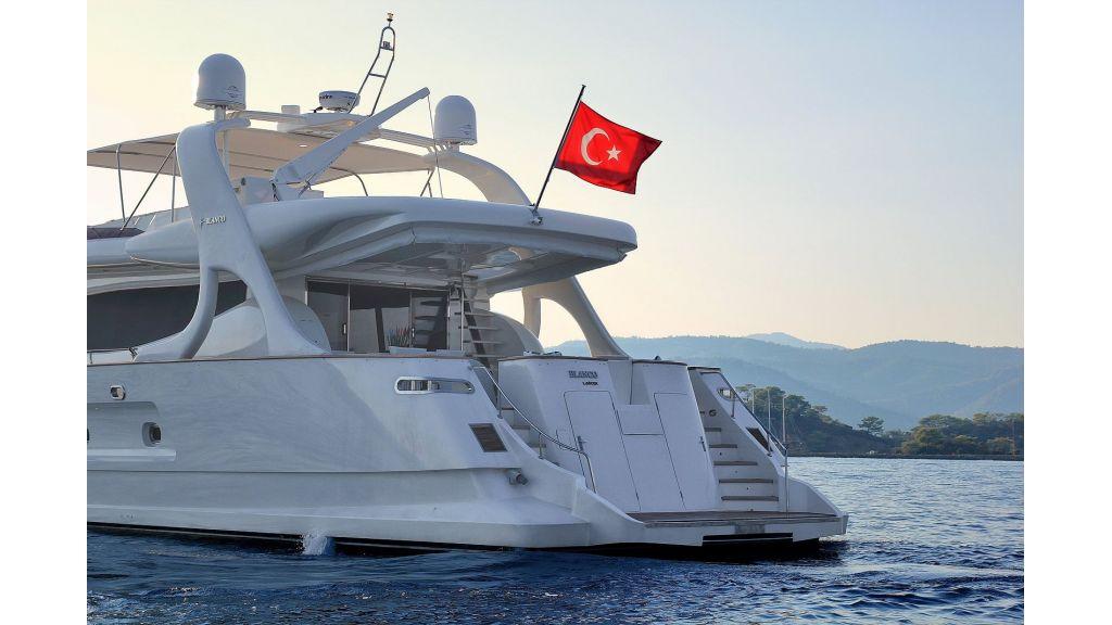 Blanco Luxury Motor Yacht master..