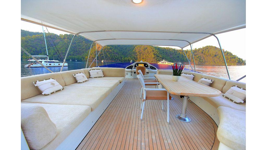 Blanco Luxury Motor Yacht master...