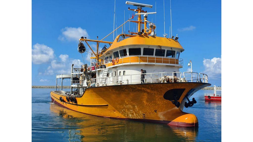 Large fishing vessels (14)