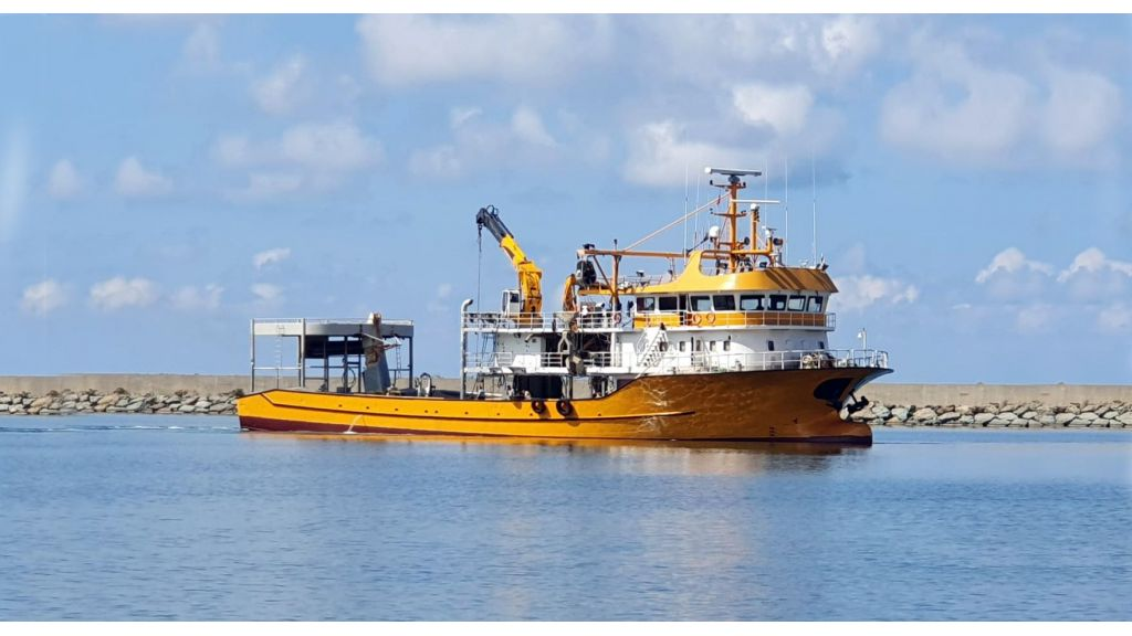 Large fishing vessels