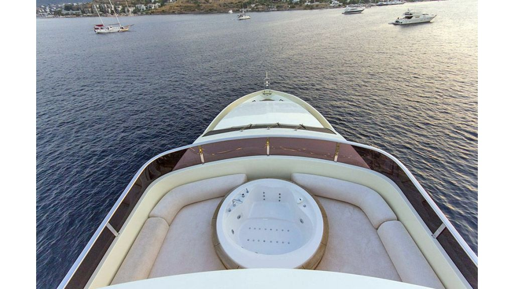 Tri-Deck Motor Yacht (10)