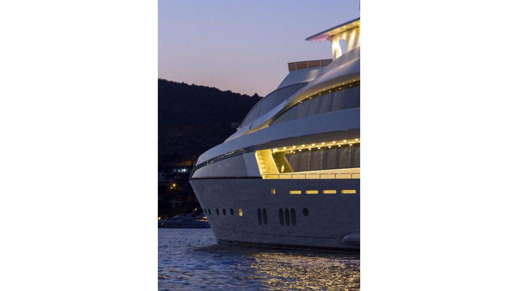 Tri-Deck Motor Yacht (12)