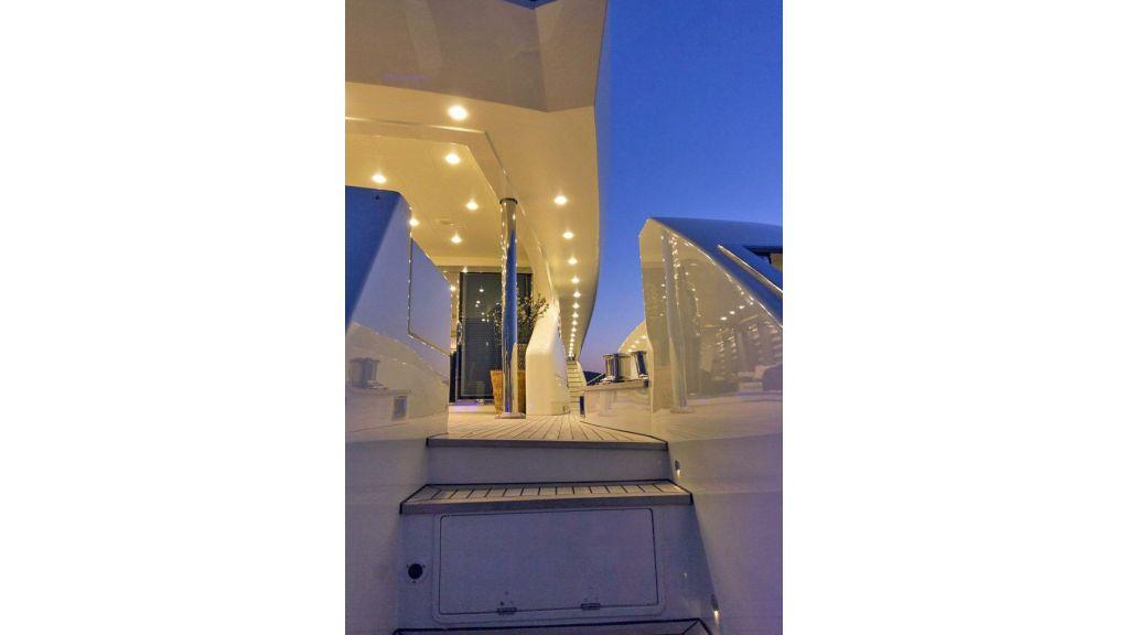Tri-Deck Motor Yacht (13)