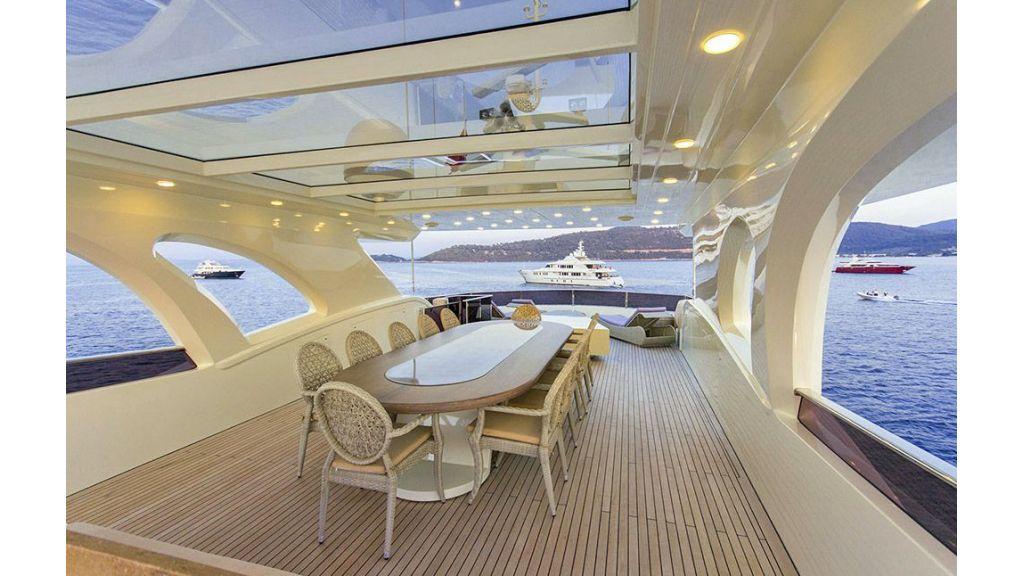 Tri-Deck Motor Yacht (20)