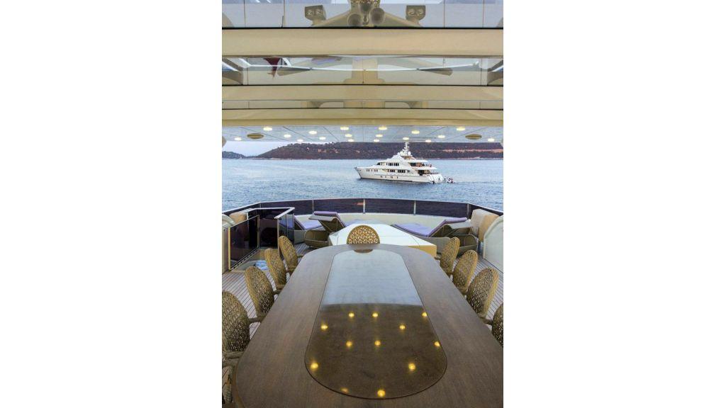 Tri-Deck Motor Yacht (21)