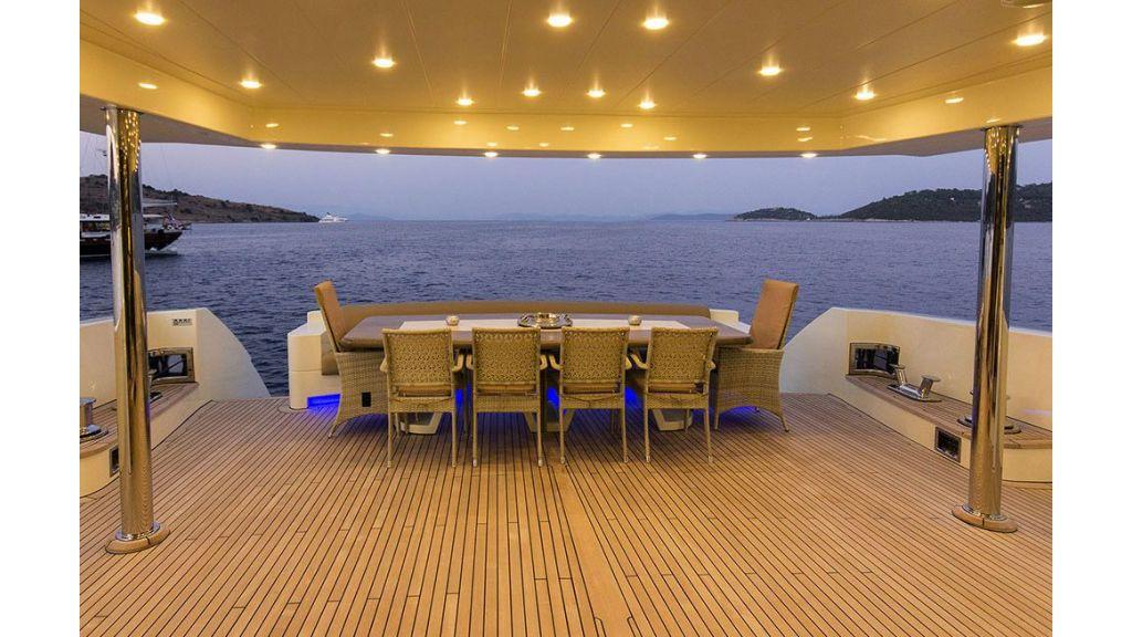 Tri-Deck Motor Yacht (24)
