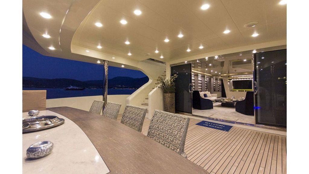 Tri-Deck Motor Yacht (25)