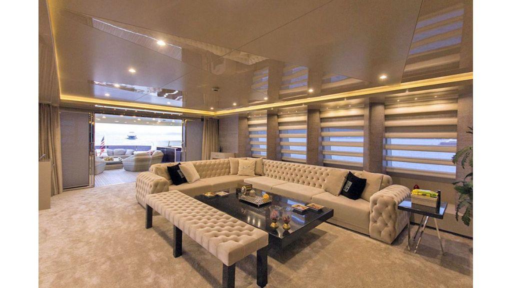 Tri-Deck Motor Yacht (27)