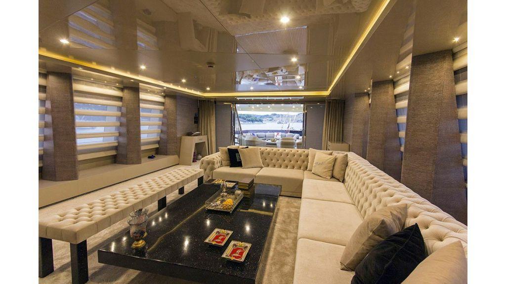 Tri-Deck Motor Yacht (28)