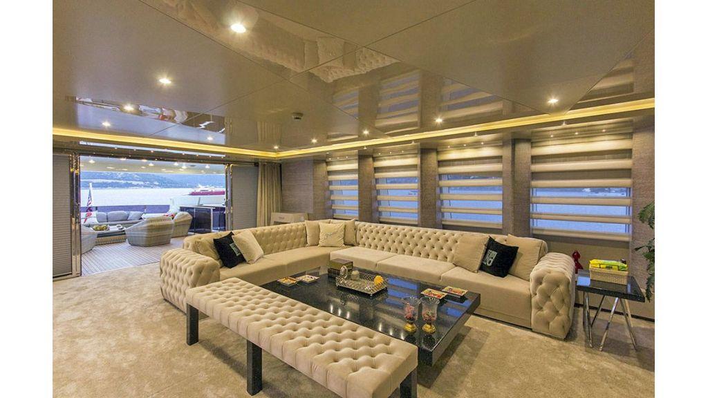 Tri-Deck Motor Yacht (31)
