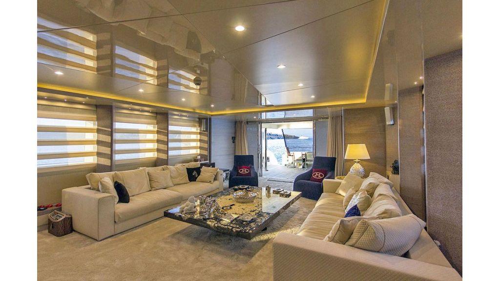 Tri-Deck Motor Yacht (34)