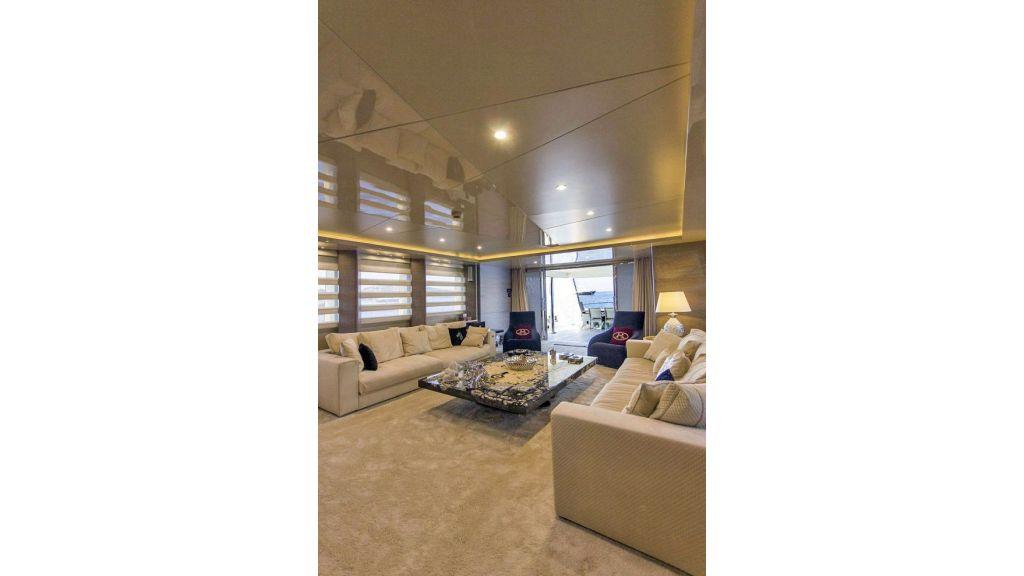 Tri-Deck Motor Yacht (35)