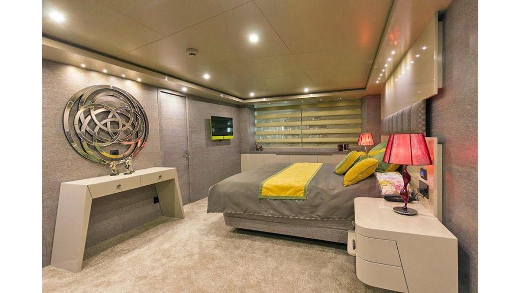 Tri-Deck Motor Yacht (44)