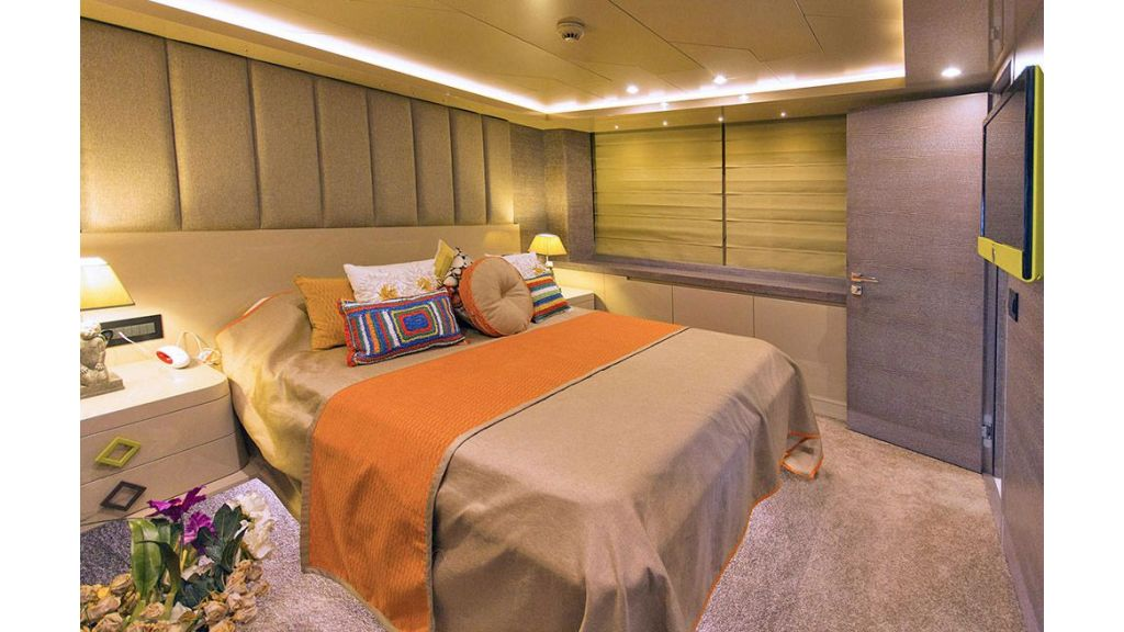Tri-Deck Motor Yacht (52)