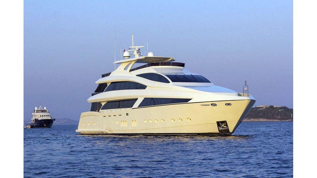 Tri-Deck Motor Yacht (6)