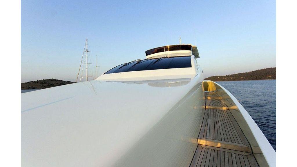 Tri-Deck Motor Yacht (8)