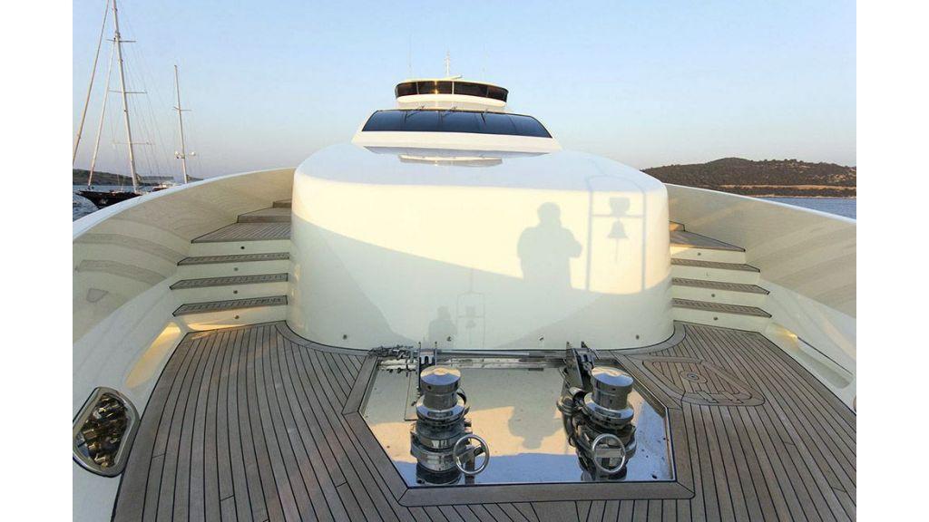 Tri-Deck Motor Yacht (9)