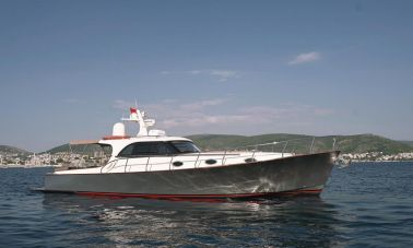 beautiful lobster motor yacht (1)
