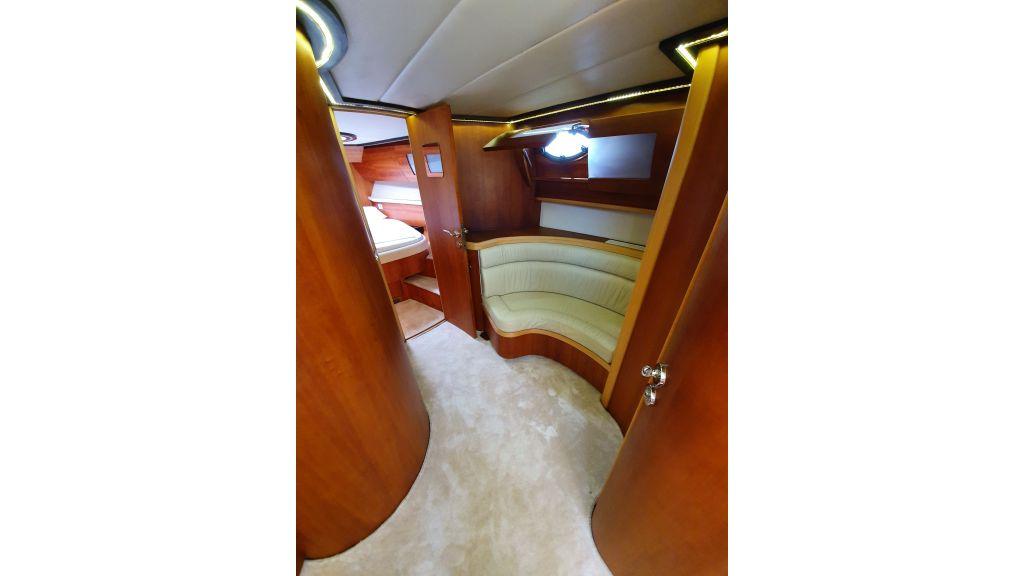 beautiful lobster motor yacht (13)