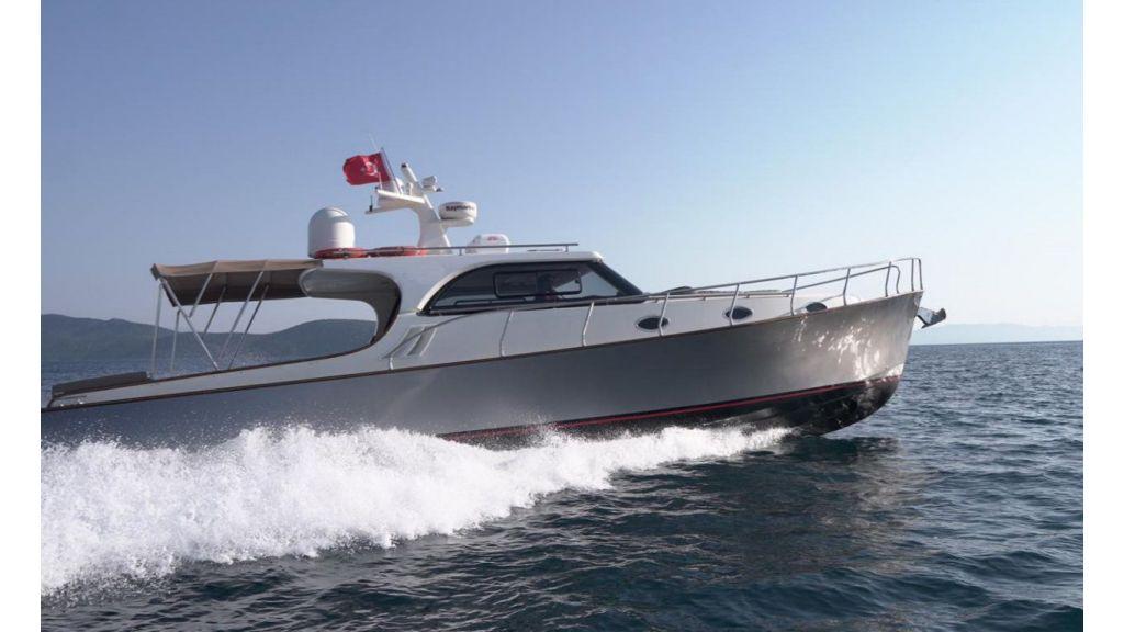 beautiful lobster motor yacht (16)