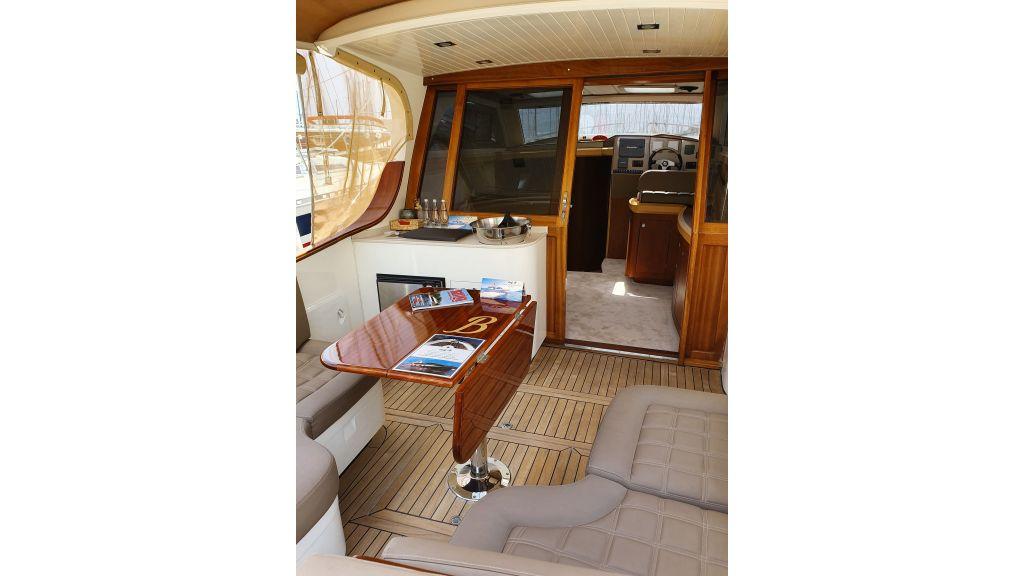 beautiful lobster motor yacht (21)