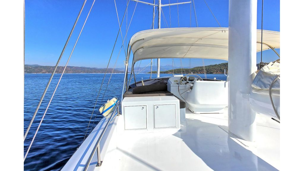 Flybridge Motor Sailing (22)