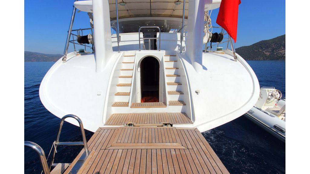 Flybridge Motor Sailing (33)