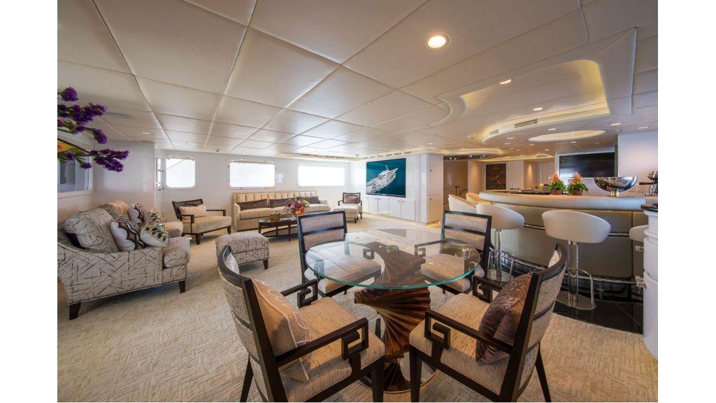 Luxury Yacht Fam (13)