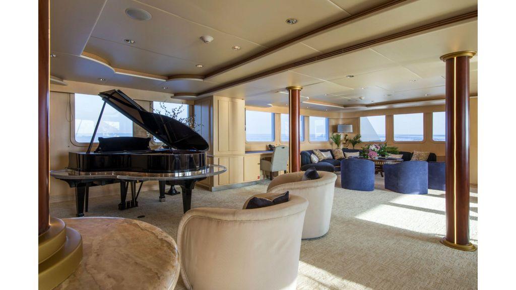 Luxury Yacht Fam (14)