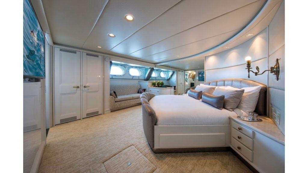Luxury Yacht Fam (18)