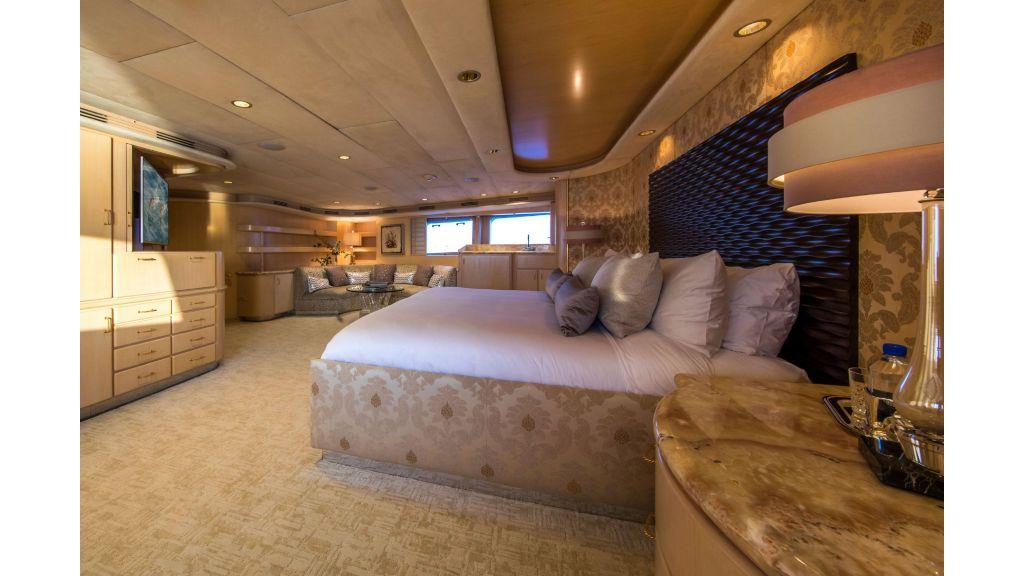 Luxury Yacht Fam (26)