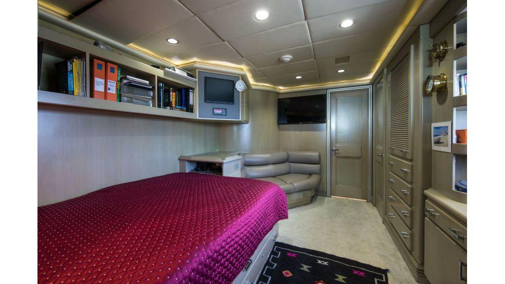 Luxury Yacht Fam (29)