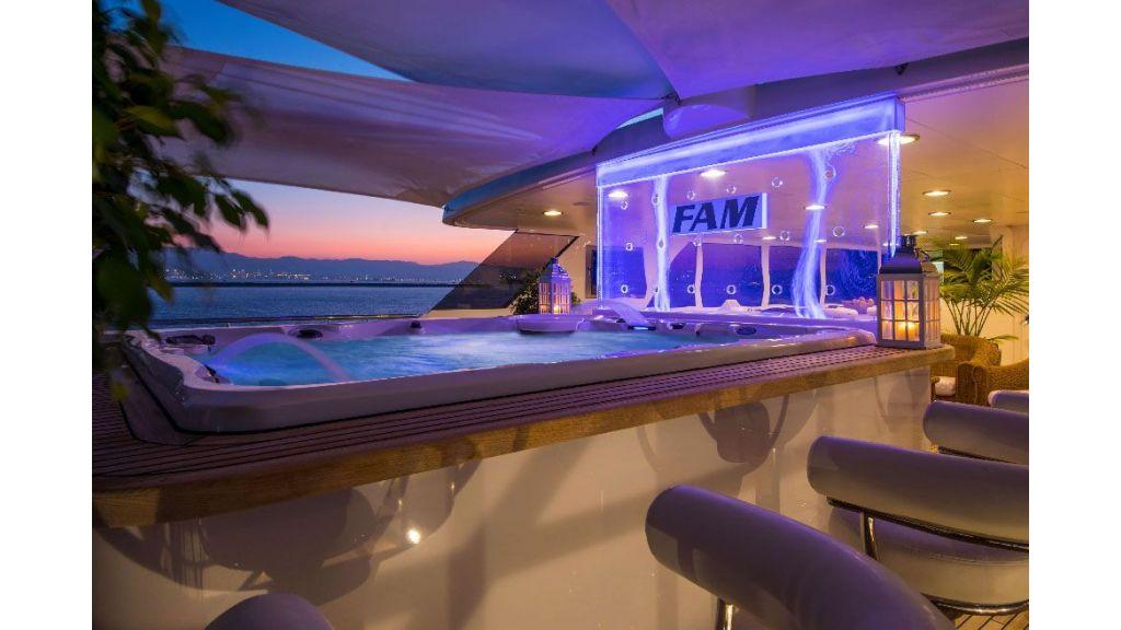 Luxury Yacht Fam (36)